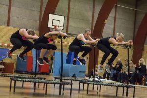 Jumpingfitness består af små enmandstrampoliner
